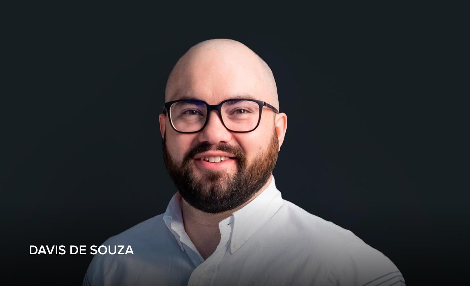 A headshot of Davis de Souza, AvePoint Lead, Western Canada